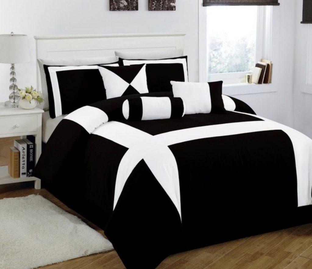 แต่งเตียงสีดำ 1