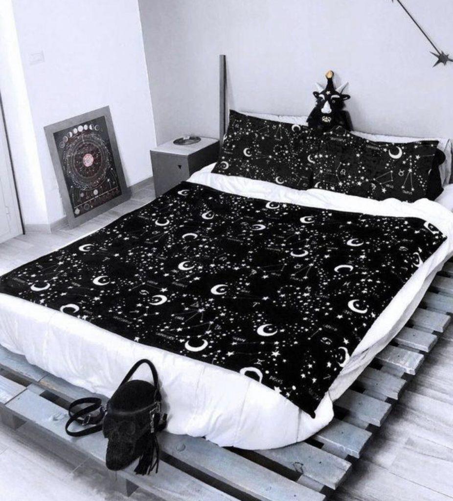 แต่งเตียงสีดำ 3