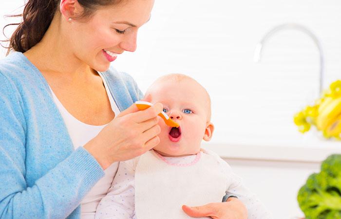 รู้สักนิด ควรให้ลูกเริ่ม กินอาหารเสริมเมื่อไหร่ แม่บ้านยุคใหม่