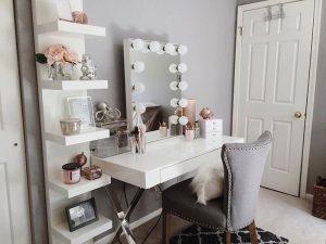โต๊ะเครื่องแป้ง โซนนี้ควรมีอะไรให้สวยปังน่าใช้งาน