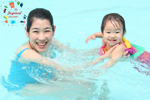 ข้อดีของการ พาลูกไปฝึกว่ายน้ำ แม่บ้าน แม่บ้านยุคใหม่
